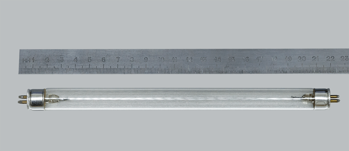 Лампа кварцевая Китай 6W T5G5.png