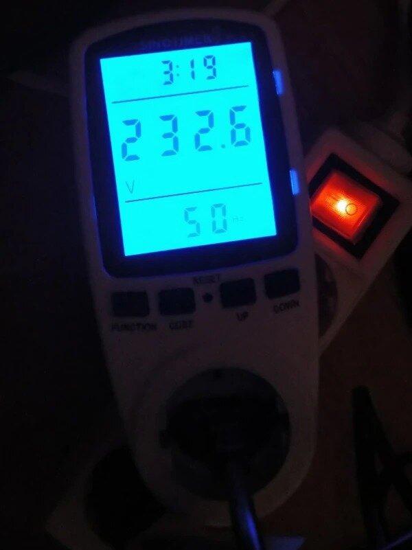 ваттметр с подсветкой экрана